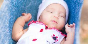 Jak pielęgnować niemowlę latem