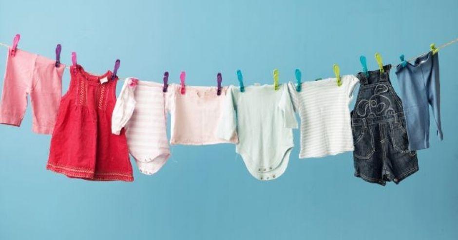 jak prać ubranka dziecięce