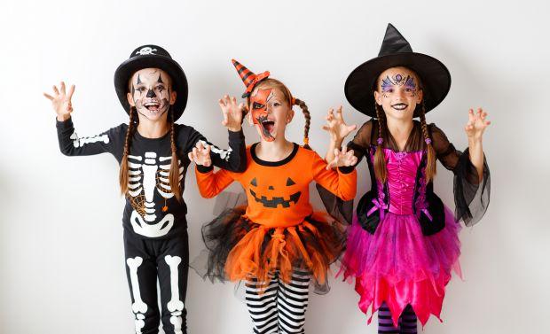 jak przebrać dziecko na Halloween - tiulowe spódniczki