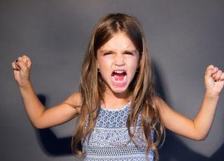 jak sobie radzić z napadami złości u dziecka