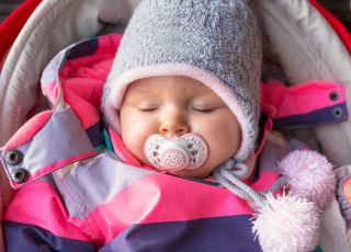jak ubierać noworodka zimą