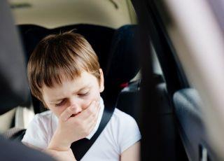 jak uniknąć wymiotowania dziecka w podróży
