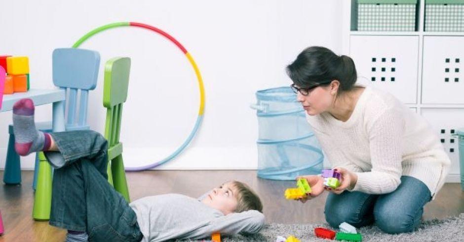 jak wydawać dziecku polecenia