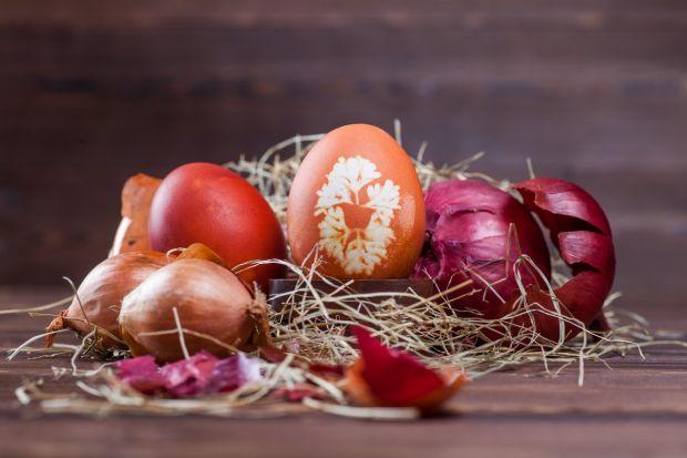 czerwony naturalny barwnik do jajek
