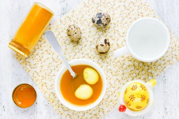 żółty naturalny barwnik do jajek
