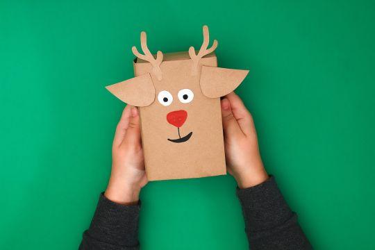 jak zapakować prezent dla dziecka – prezent-zwierzak