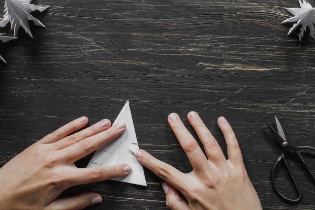 jak zrobić choinkę z papieru - krok 9