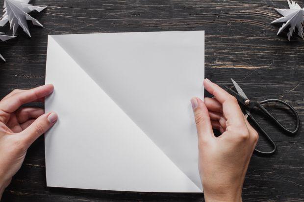 jak zrobić choinkę z papieru - krok 3