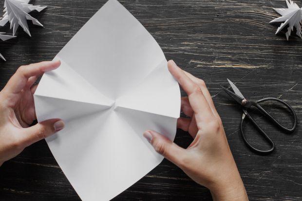 jak zrobić choinkę z papieru - krok 5