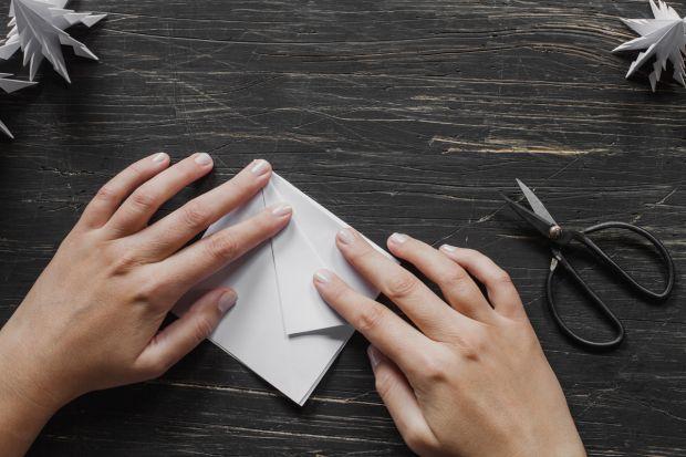 jak zrobić choinkę z papieru - krok 6