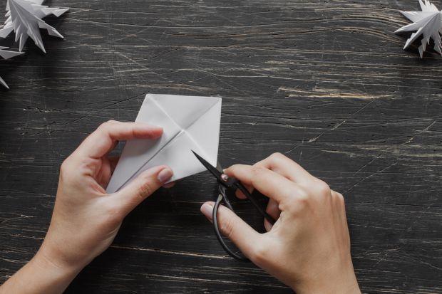 jak zrobić choinkę z papieru - krok 7