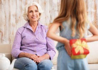 jaki prezent na dzień babci