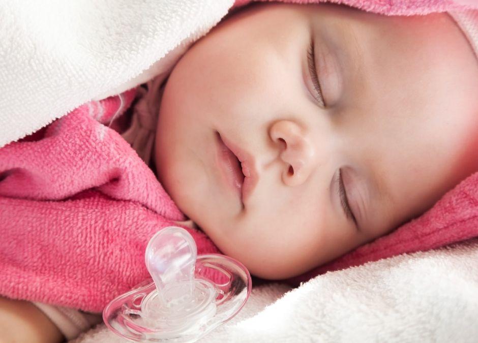 smoczek dla noworodka karmionego piersią