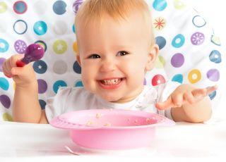 jedzące dziecko, pierwsze dania, rozszerzanie diety