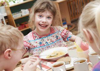 jedzenie w przedszkolu, żywienie w przedszkolu, dieta przedszkolaka