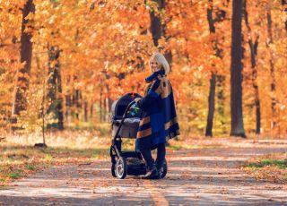 jesienny spacer z wózkiem Ziajka