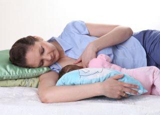 karmienie piersią, pozycja leżąca do karmienia piersią