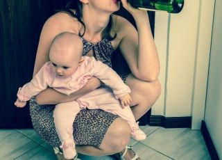 Karmienie piersią a alkohol