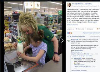 Kasjerka pomaga autystycznej dziewczynce