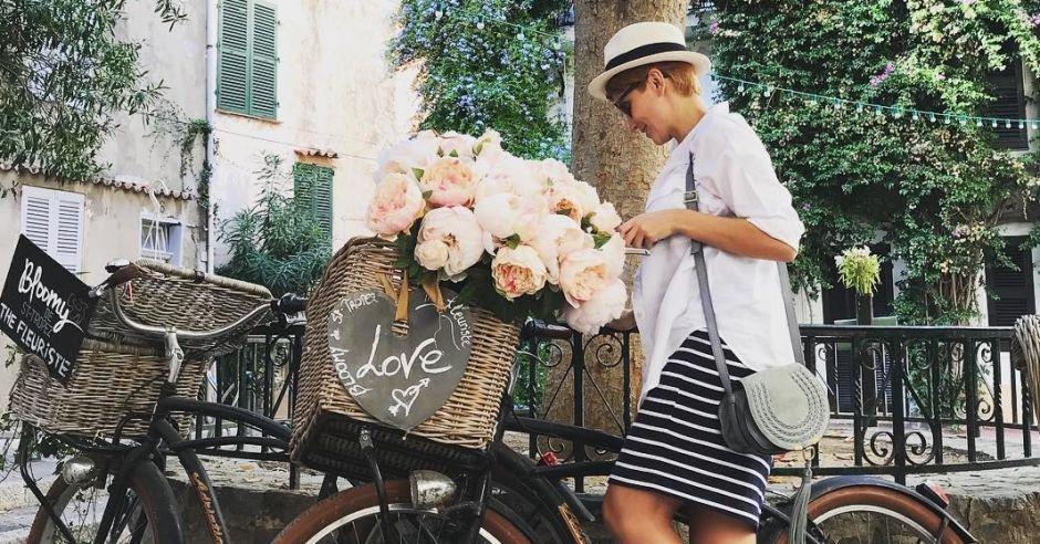 Katarzyna Zielińska w ciąży na rowerze