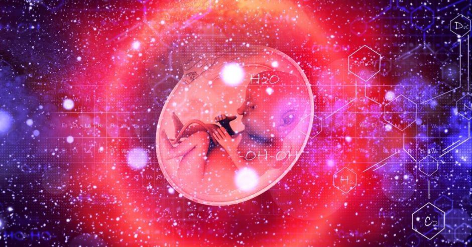 Kiedy najlepiej urodzić? Medycyna a horoskop