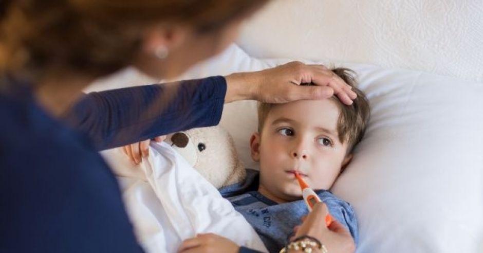 kiedy obniżać gorączkę u dziecka