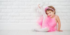 Kilkulatka w kostiumie do baletu