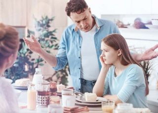 kłopoty w pracy męża