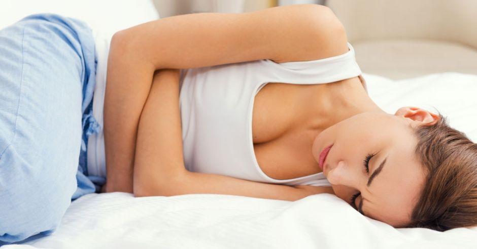 kobieta ból brzucha