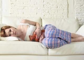 kobieta chora na endometriozę