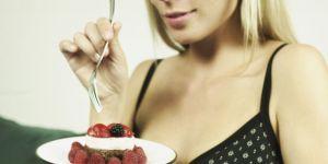 kobieta, ciąża, brzuszek, odżywianie w ciąży