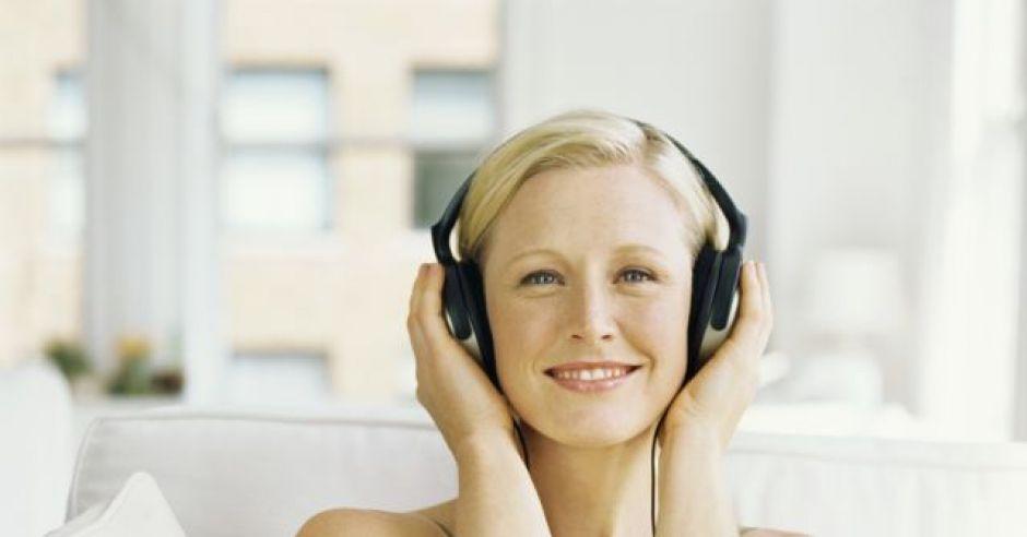 kobieta, ciąża, słuchawki, słuchać, muzyka