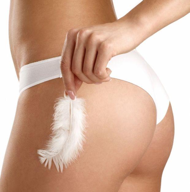 Kobieta, higiena intymna, piórko