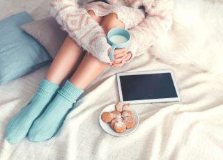 kobieta, kubek mleka, odpoczynek