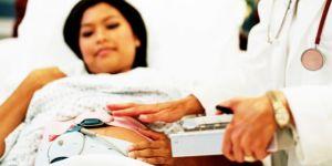 kobieta, lekarz, mama, ciąża, szpital, łóżko, leżeć, badania