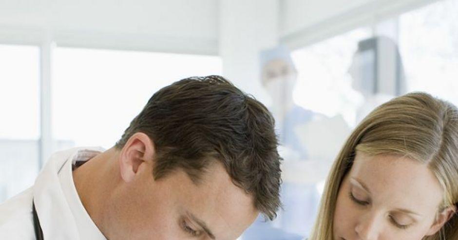 kobieta, mama, ciąża, lekarz, badania, zdrowie w ciąży, ciśnienie