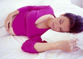 kobieta, mama, ciąża, łóżko, leżeć, sen
