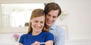 kobieta, mama, tata, mężczyzna, test ciążowy, uśmiech