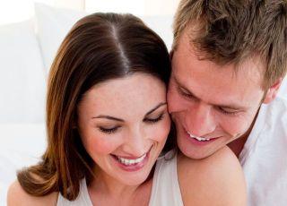 kobieta, mężczyzna, radość, test ciążowy, uśmiech