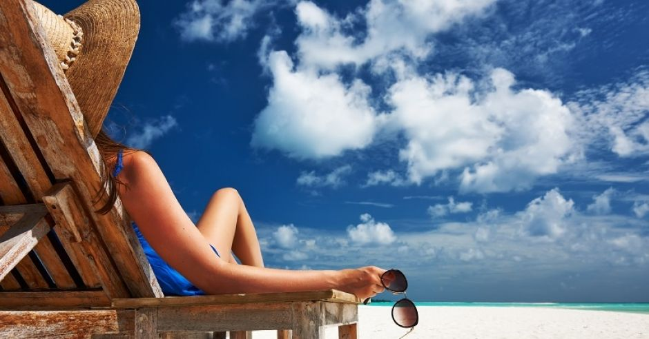 Kobieta, morze, leżak, plaża