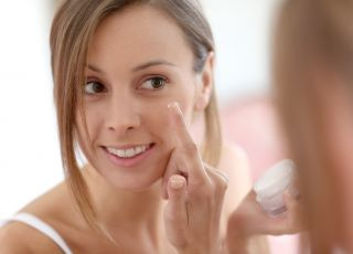kobieta, pielęgnacja, krem, pielęgnacja skóry