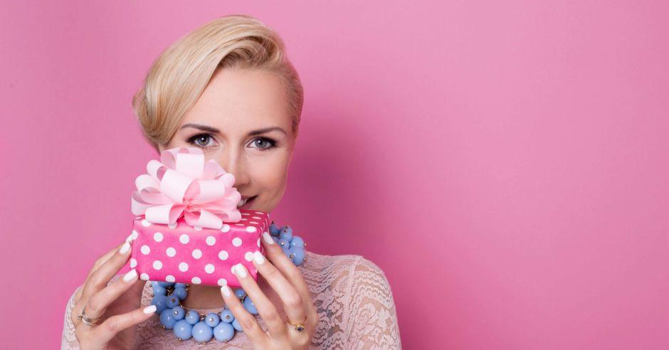 kobieta, prezent, ciasteczka, afrodyzjaki