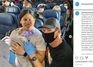 kobieta urodziła na pokładzie samolotu