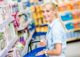 Kobieta w sklepie, zakupy