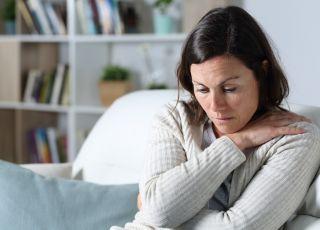 kobieta w średnim wieku w ciąży