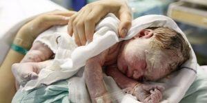 Kobieta zaczęła rodzić łożysko przed narodzinami dziecka