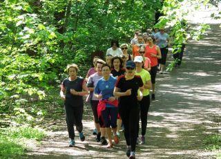 kobiety biegają w ramach akcji Women's run
