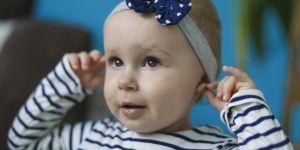 Kolczyki u niemowlęcia