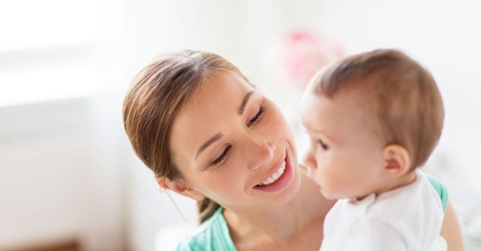 komu przysługuje urlop macierzyński?