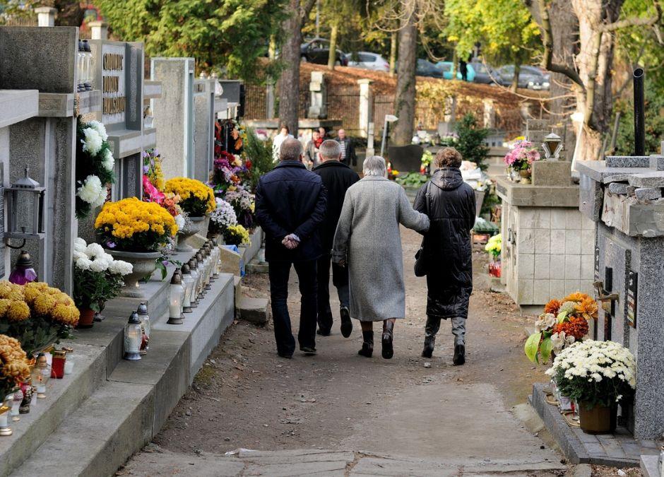 Koronawirus: 1 listopada może być punktem kulminacyjnym epidemii w Polsce